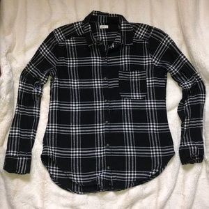 Black&White Plaid Flannel- HOLLISTER - SIZE: small